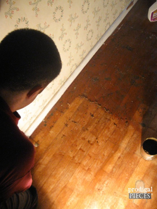 Cleaning off Carpet Adehisive on Hardwood Bedroom Floors by Prodigal Pieces | www.prodigalpieces.com
