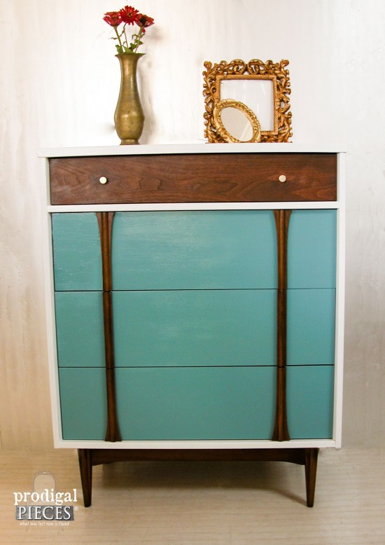 Blue White Modern Style Mid Century Makeover By Prodigal Pieces Prodigalpieces