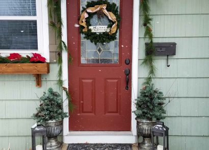Featured DIY Winter Urn by Prodigal Pieces | www.prodigalpieces.com