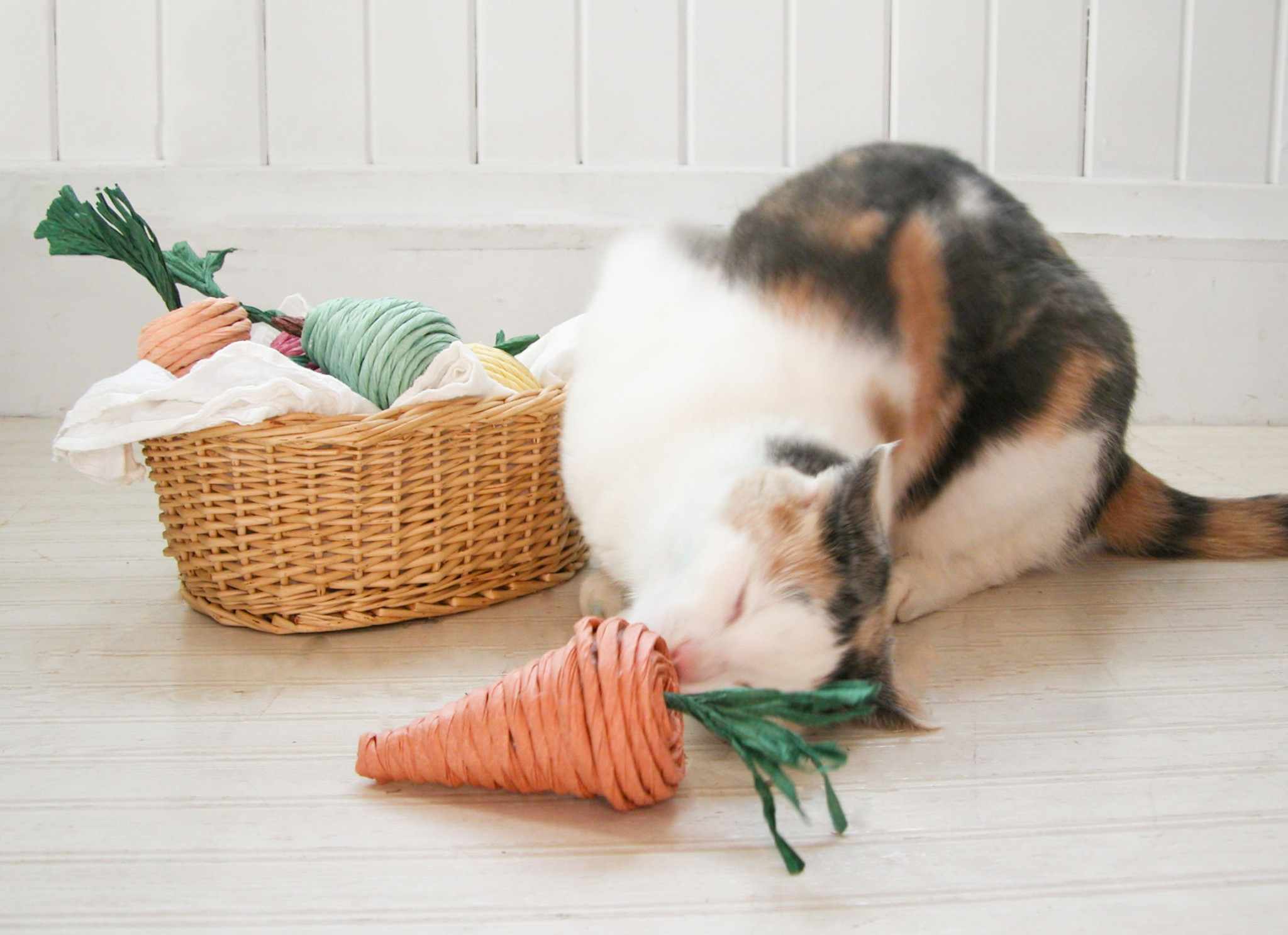 Calico Cat Playing with DIY Natural Cat Toys Made by Prodigal Pieces | www.prodigalpieces.com