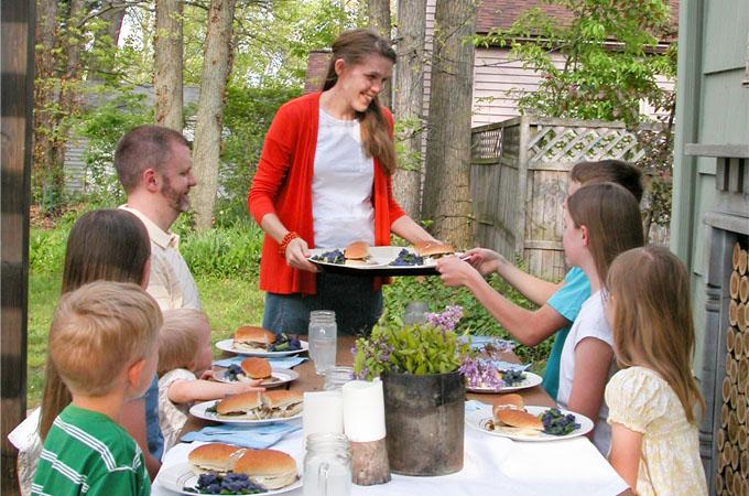 Featured Feeding Family by Prodigal Pieces | www.prodigalpieces.com