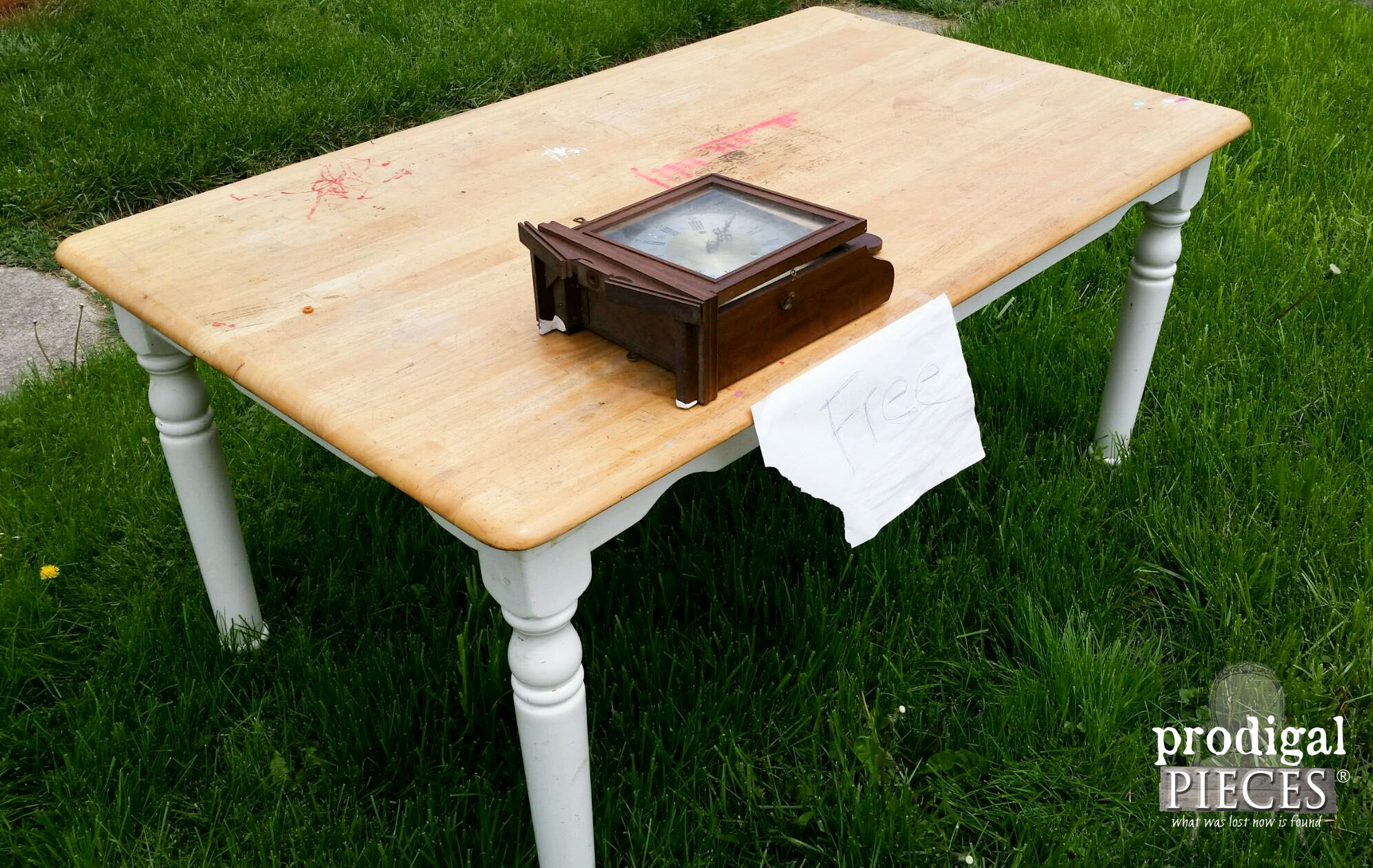 Curbside Find Farmhouse Table and Wall Clock | Prodigal Pieces | www.prodigalpieces.com