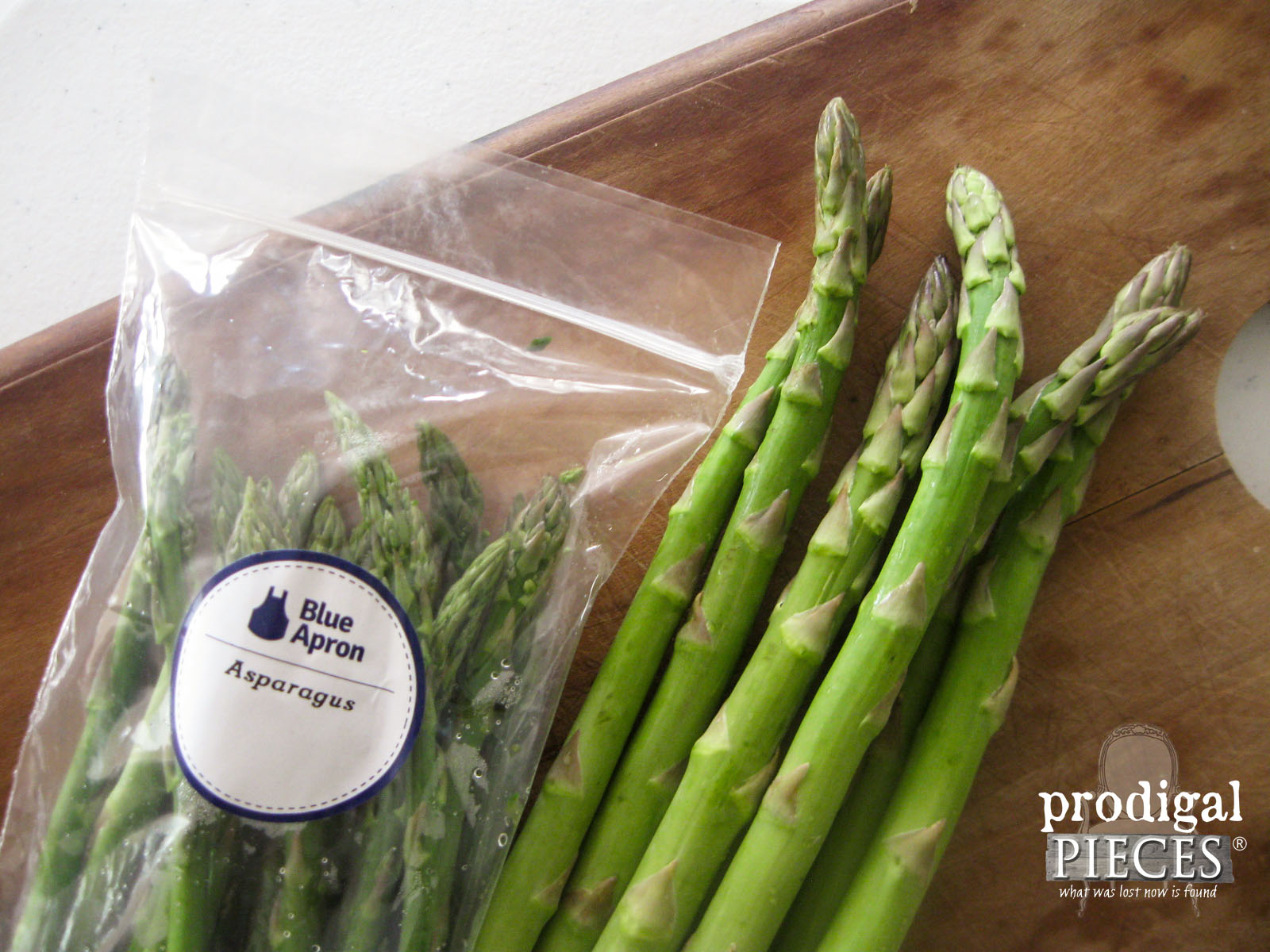 Freshly Packaged Asparagus from Blue Apron | Prodigal Pieces | www.prodigalpieces.com
