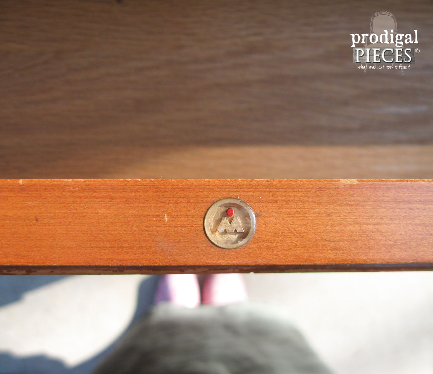 Mid Century Modern Mengel Logo in Chest of Drawers | Prodigal Pieces | www.prodigalpieces.com