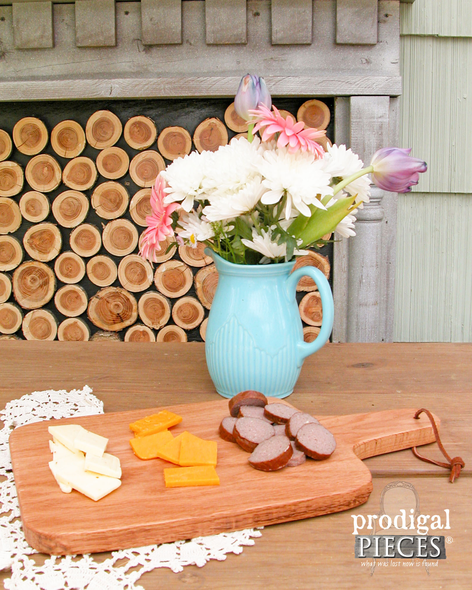 Create Your Own Farmhouse Cutting Board with this Tutorial by Prodigal Pieces | www.prodigalpieces.com