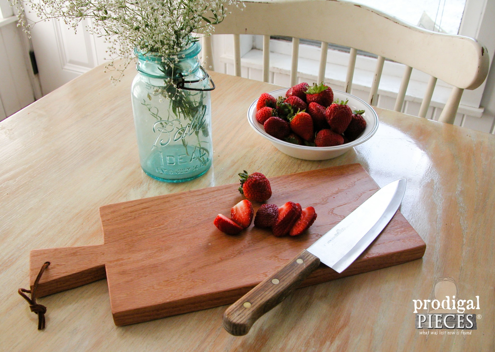 Solid Oak Cutting Board DIY by Prodigal Pieces | www.prodigalpieces.com