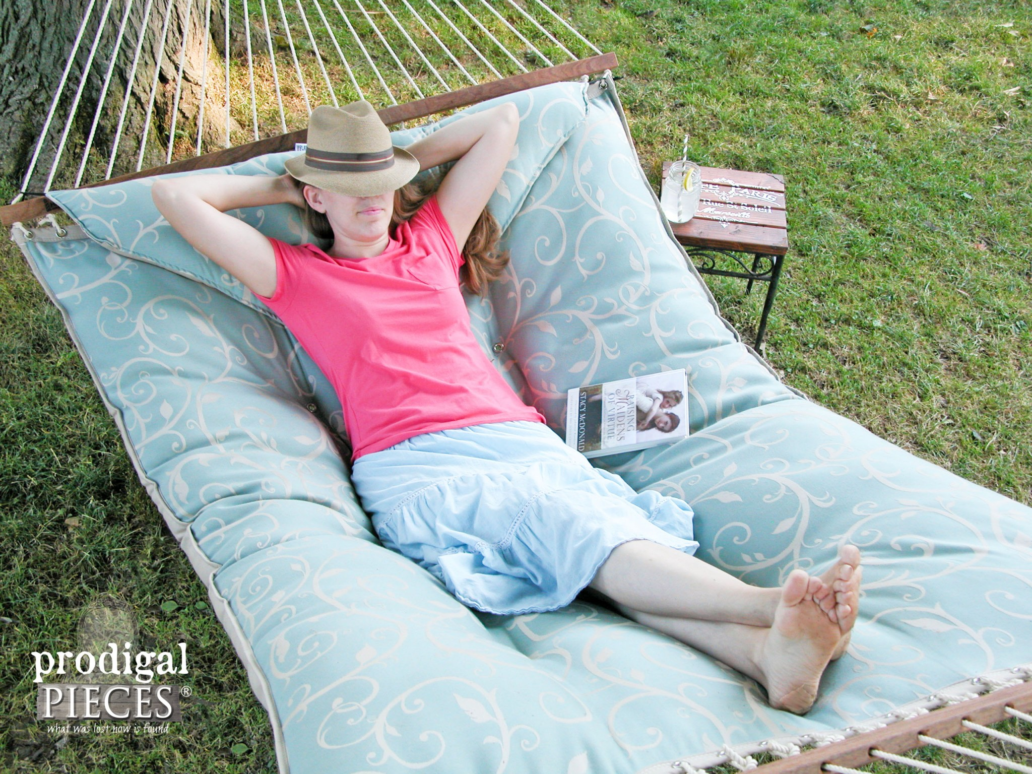 Hatteras Hammocks Tufted Hammock from DFO Home by Prodigal Pieces | www.prodigalpieces.com