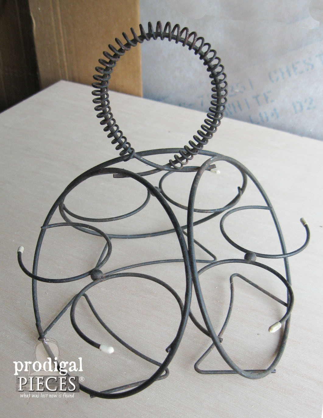 Wire Holder Finds New Purpose with the Help of Prodigal Pieces | www.prodigalpieces.com