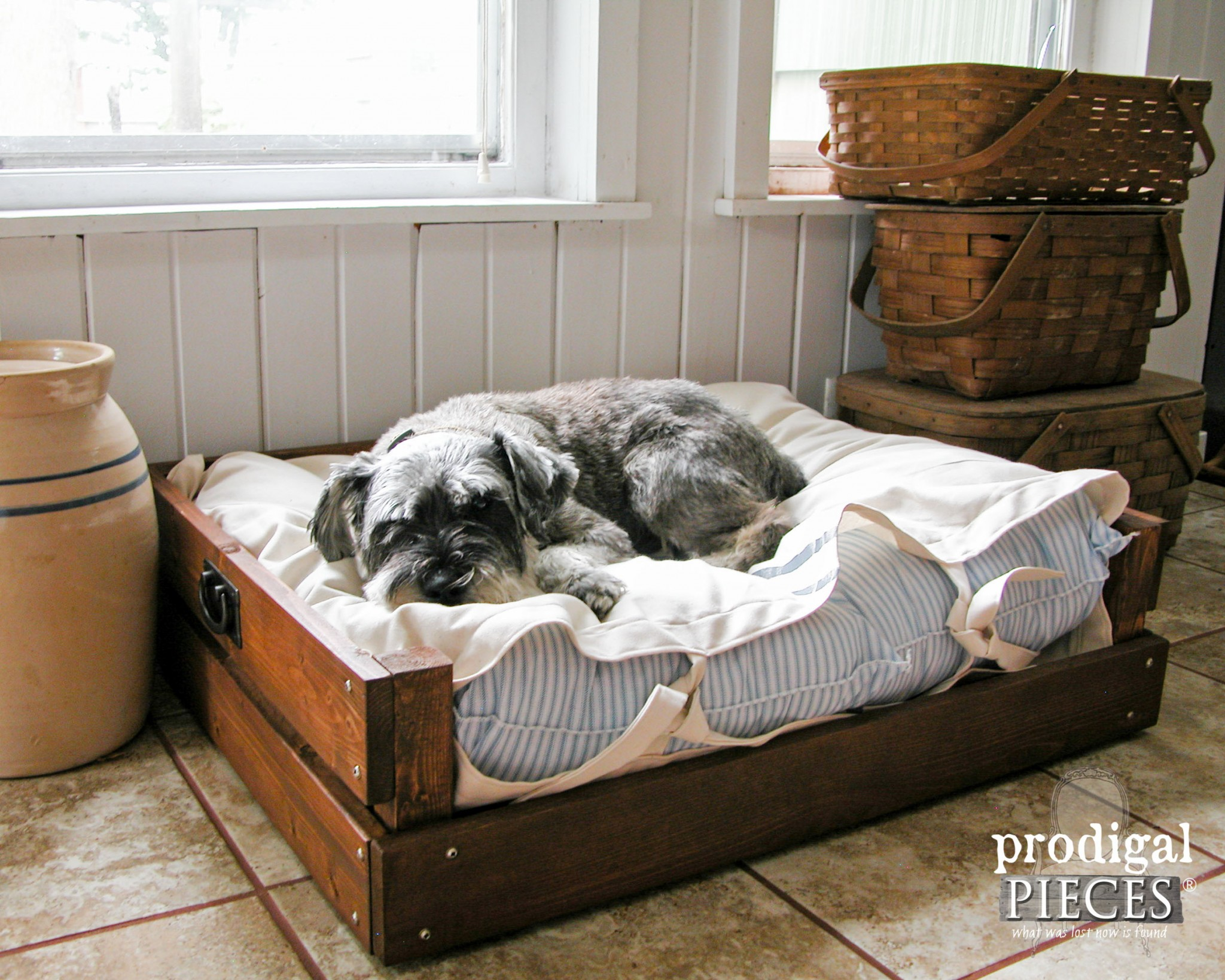 Rustic Farmhouse Grain Sack Style Pet Bed with Plans & Tutorial by Prodigal Pieces | www.prodigalpieces.com