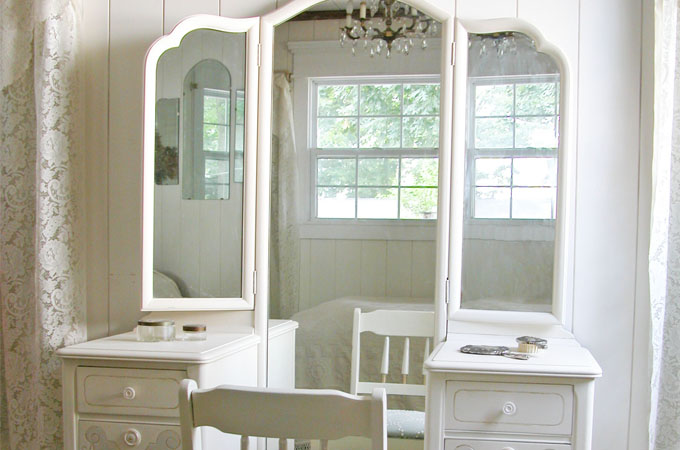 Featured Custom Trifold Vanity by Prodigal Pieces   www.prodigalpieces.com
