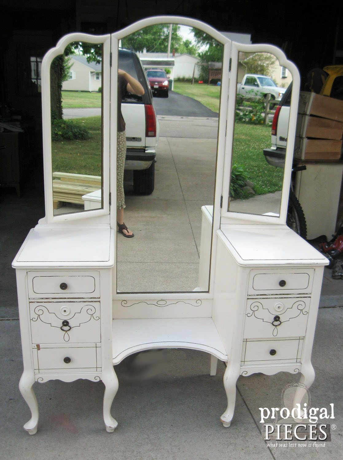 Vintage Queen Anne Trifold Vanity Before Makeover | Prodigal Pieces | www.prodigalpieces.com