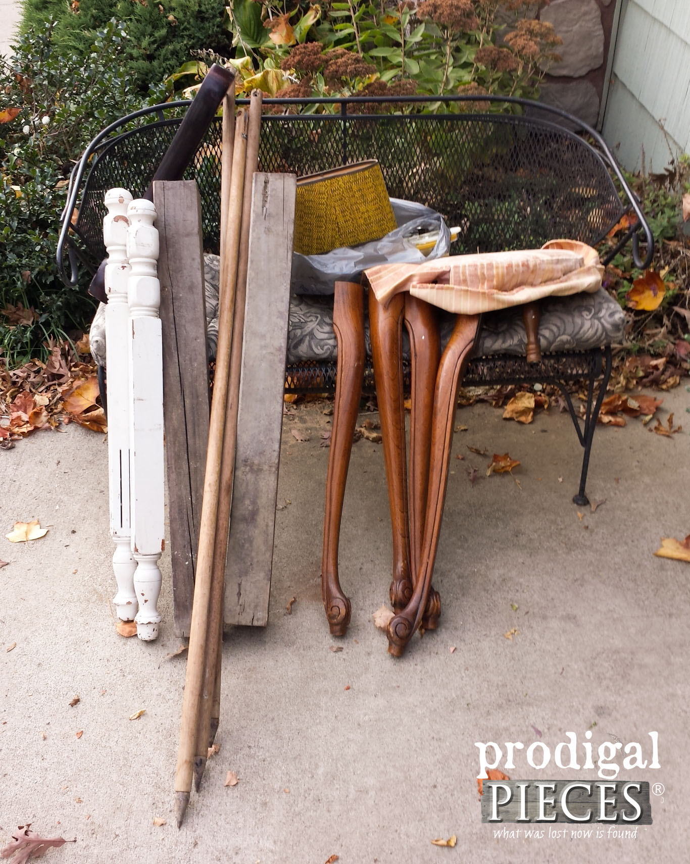 Curbside Trashure for DIY Projects | Prodigal Pieces | www.prodigalpieces.com