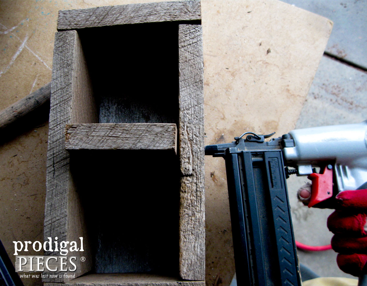 Building Wooden Caddy | Prodigal Pieces | www.prodigalpieces.com
