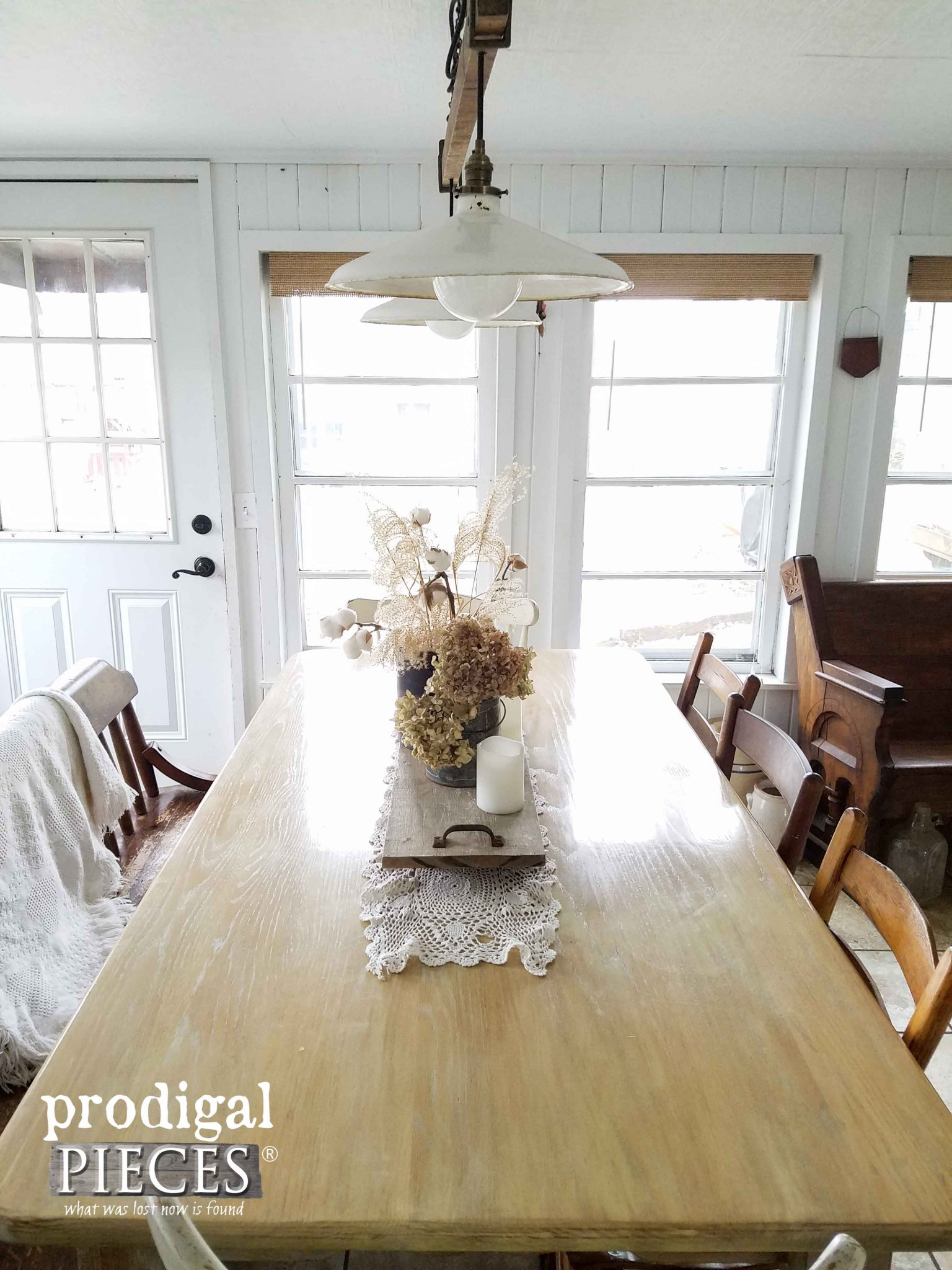 Farmhouse Dining Table with DIY Decor by Prodigal Pieces | prodigalpieces.com
