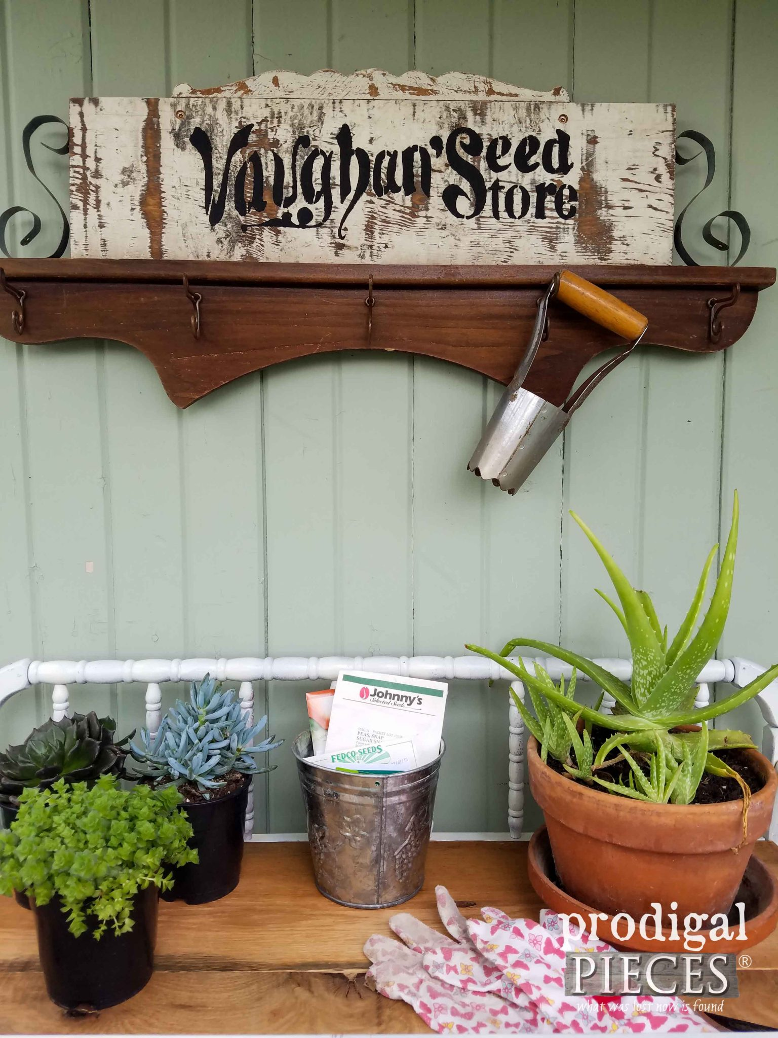 Rustic Garden Vignette with Repurposed Sign by Prodigal Pieces | prodigalpieces.com