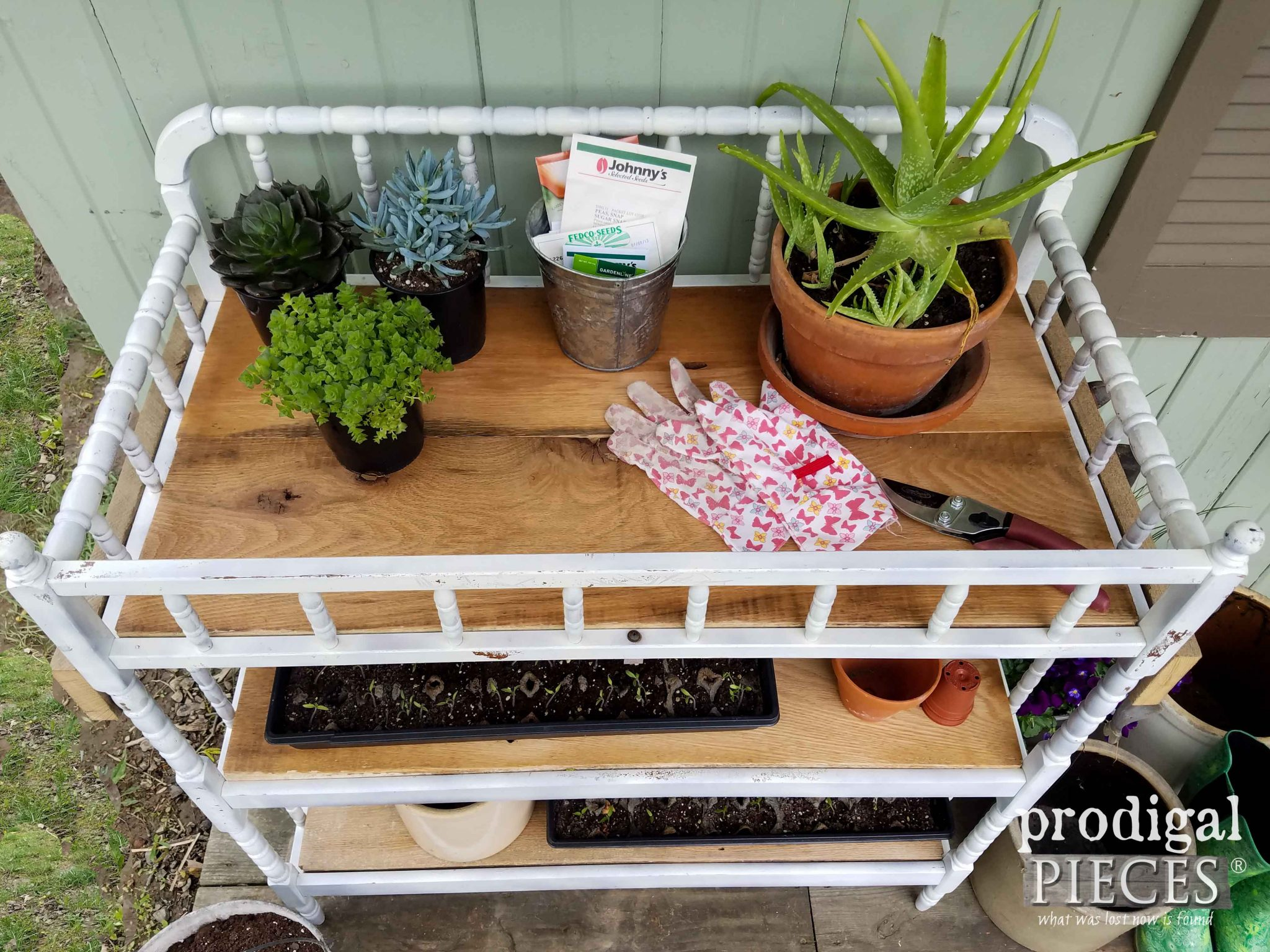 DIY Potting Bench by Prodigal Pieces | prodigalpieces.com