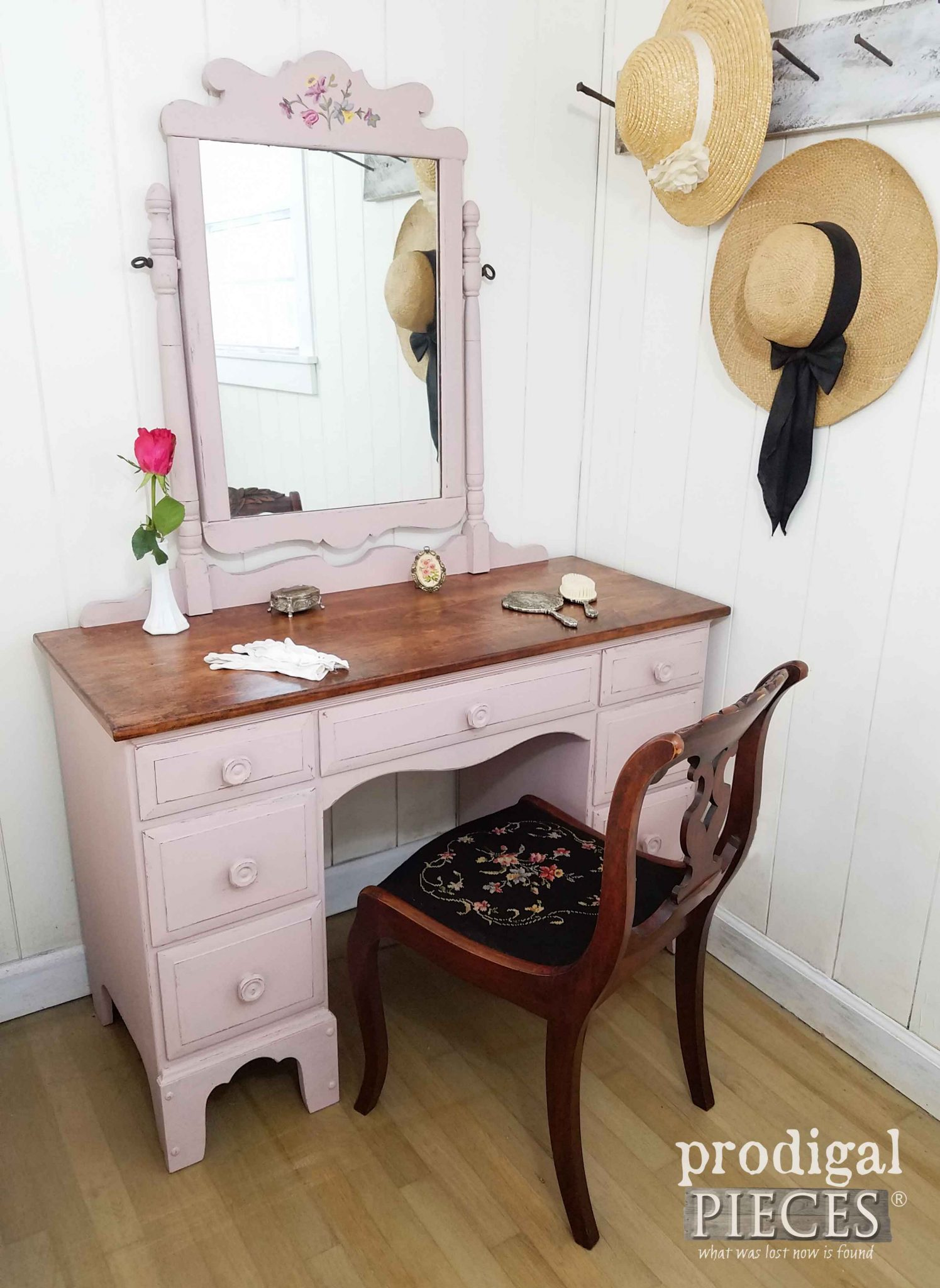 Farmhouse Chic Vintage Vanity Makeover by Prodigal Pieces | prodigalpieces.com