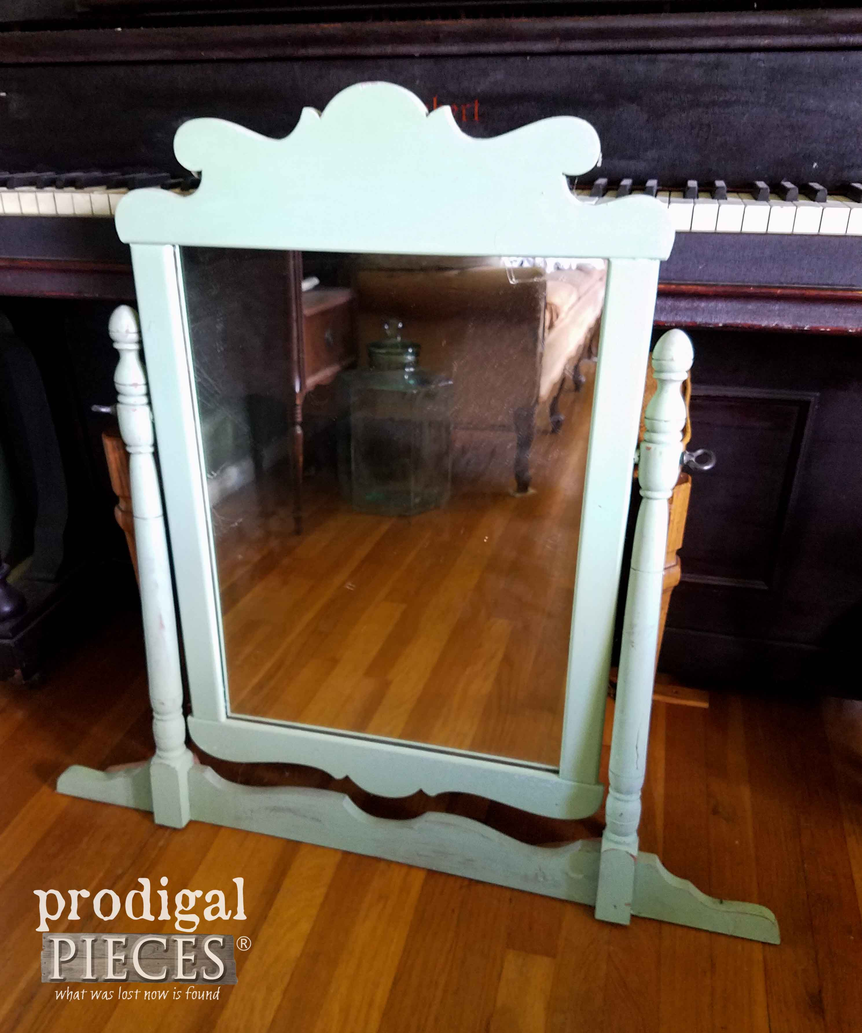 Vintage Vanity Mirror for Makeover by Prodigal Pieces | prodigalpieces.com