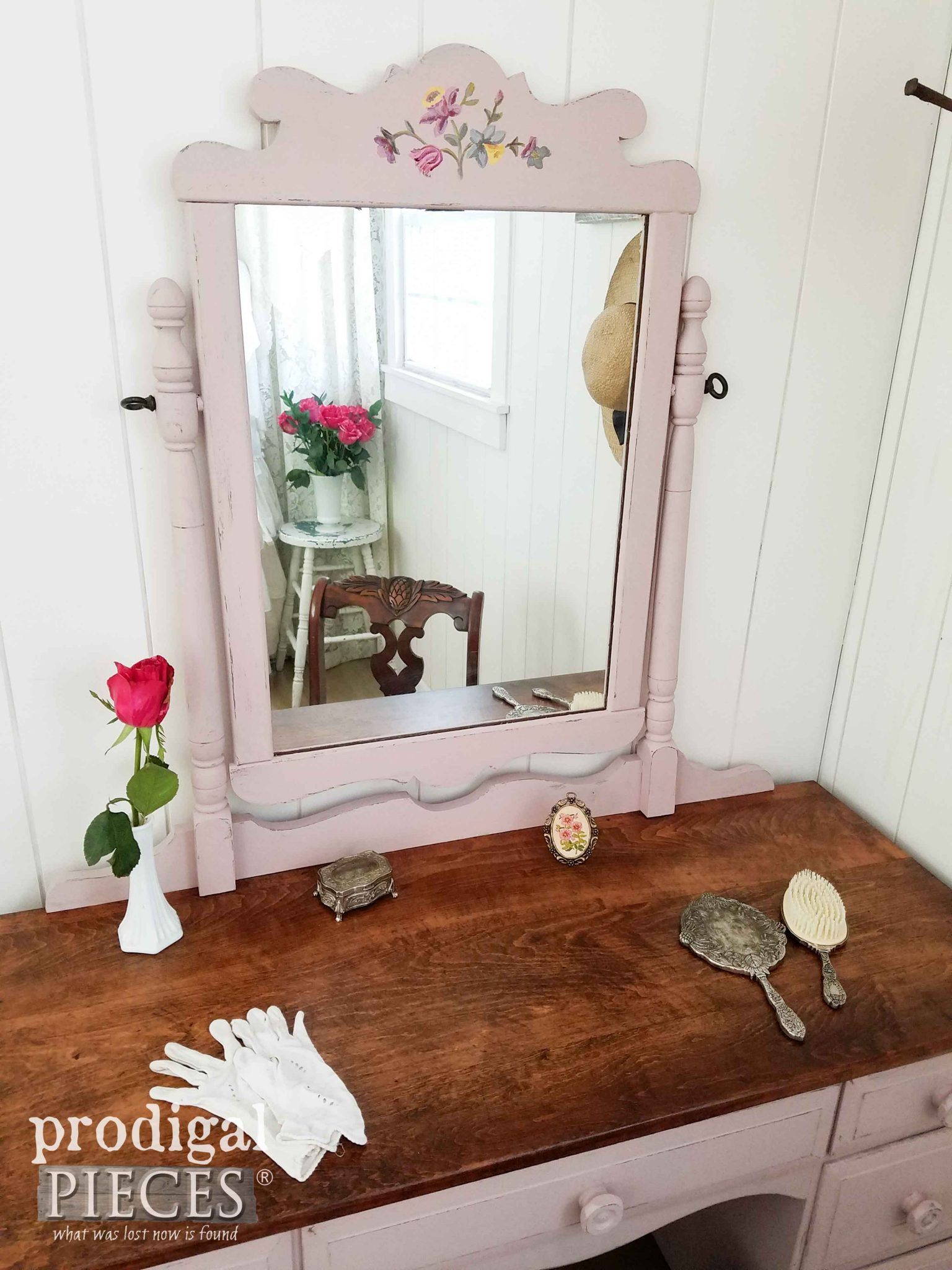 Sweet Vanity Vignette by Prodigal Pieces | prodigalpieces.com