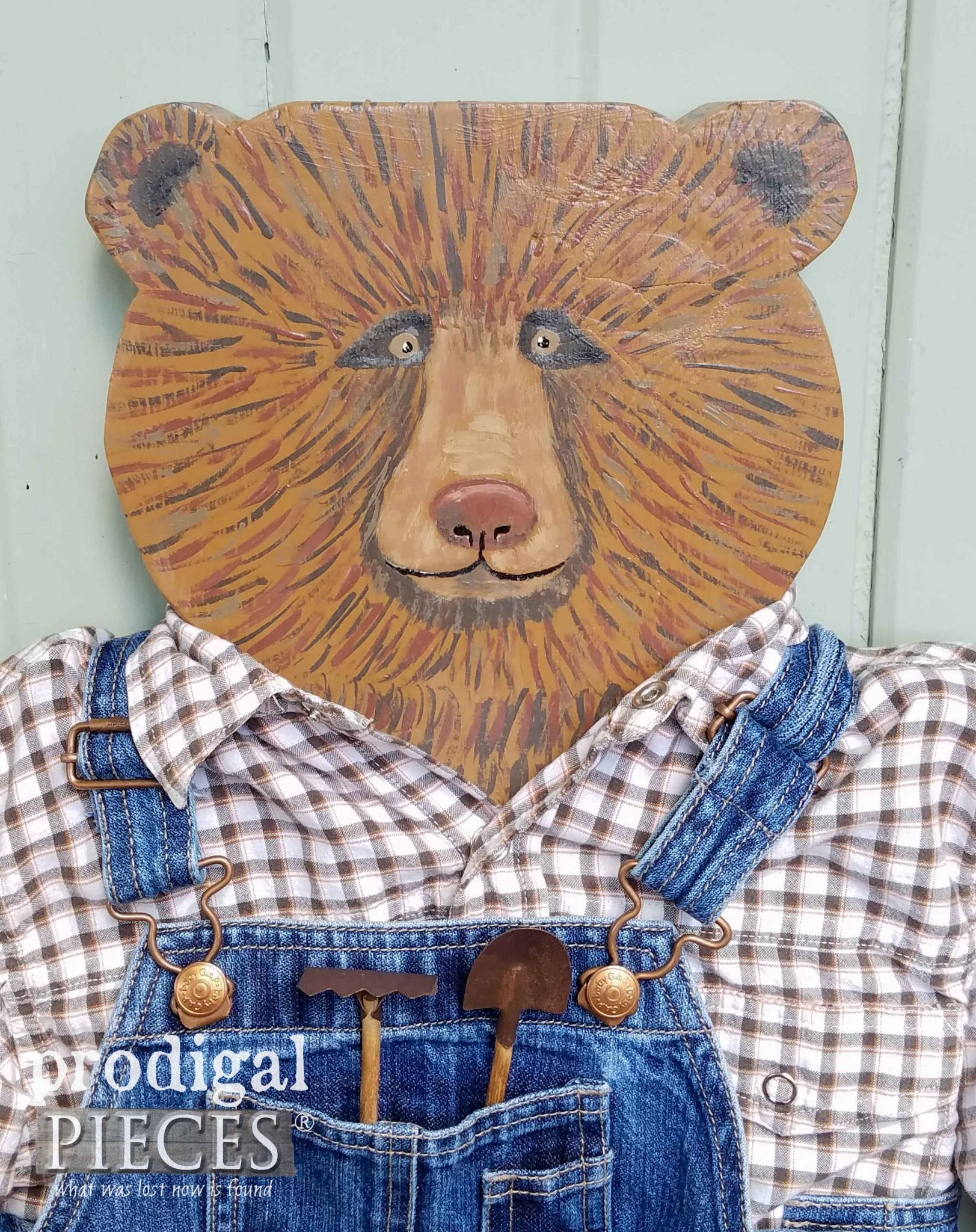 Harvey the Bear hand-painted by Larissa Haynes of Prodigal Pieces | prodigalpieces.com