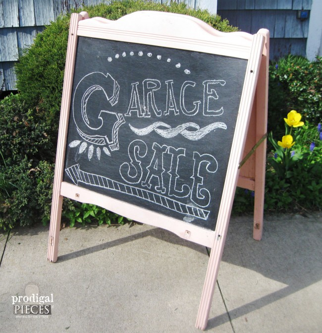 DIY Repurposed Baby Crib Chalkboard Easel & More by Prodigal Pieces www.prodigalpieces.com #prodigalpieces