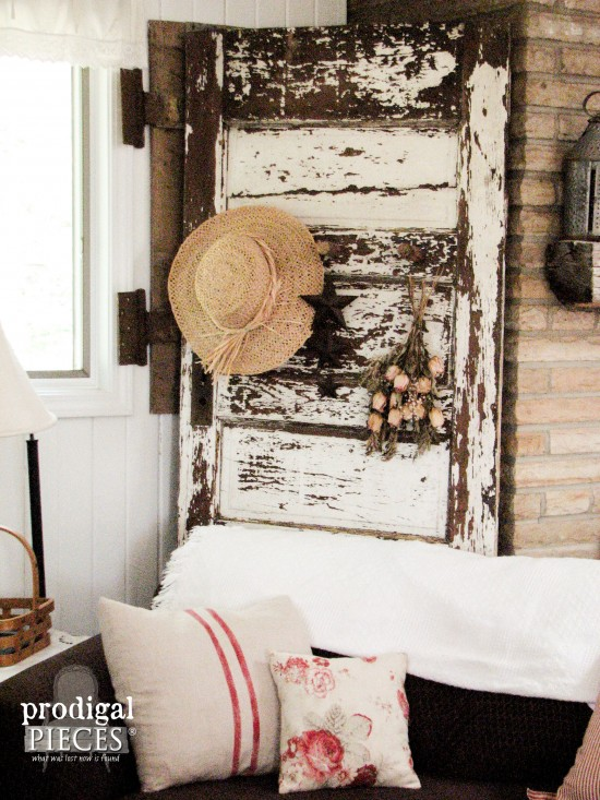 Don't throw out your old chippy door. Turn it into decor! See how Prodigal Pieces did it at prodigalpieces.com