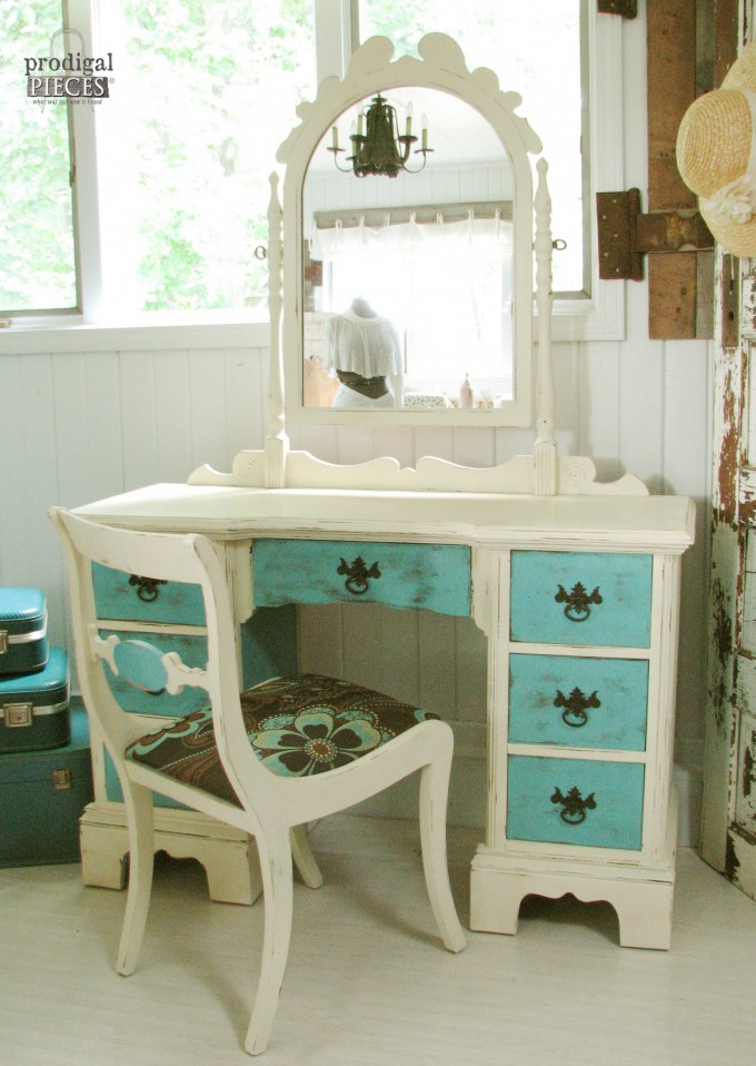 Antique Vanity Makeover