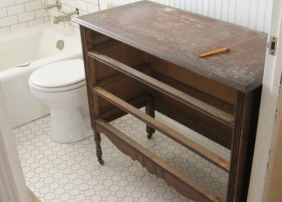 Farmhouse Style Budget Bathroom Makeover by Prodigal Pieces www.prodigalpieces.com #prodigalpieces