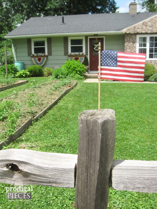 Handmade Patriotic Fourth of July Bunting by Prodigal Pieces   prodigalpieces.com #prodigalpieces