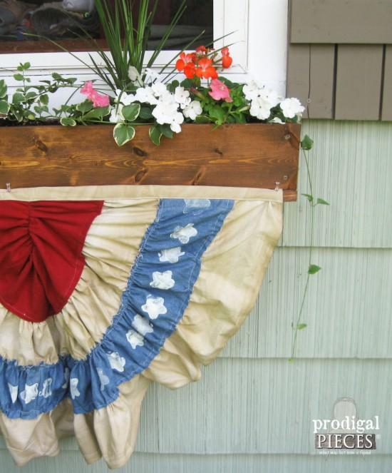 Fabric Patriotic Bunting by Larissa of Prodigal Pieces   prodigalpieces.com