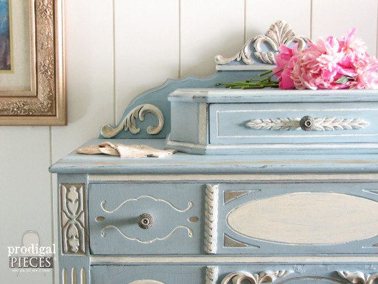 Old World Style Chalky Finish Paint | prodigalpieces.com