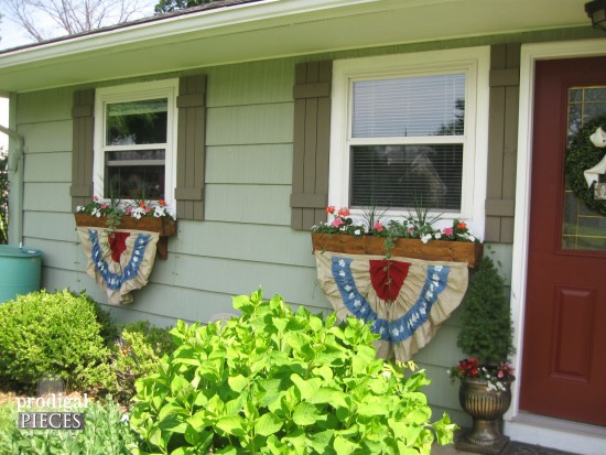 DIY Patriotic Fourth of July Bunting - Celebrate Independence Day by Prodigal Pieces   prodigalpieces.com #prodigalpieces