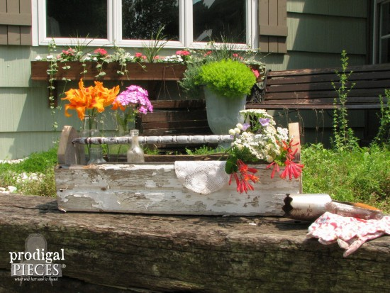 Build a reclaimed wood tote using cast off chippy siding, baby crib parts, and barn wood by Prodigal Pieces www.prodigalpieces.com #prodigalpieces