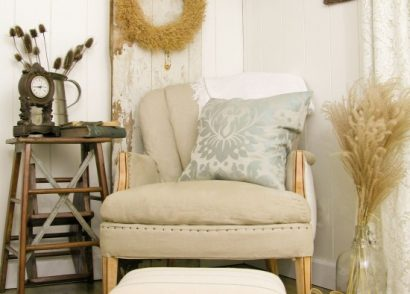 In 30 minutes, you can give a thrifted footstool a mini makeover by Prodigal Pieces www.prodigalpieces.com #prodigalpieces