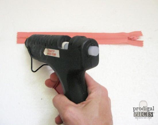 Hot Gluing Zipper to Pouch | prodigalpieces.com
