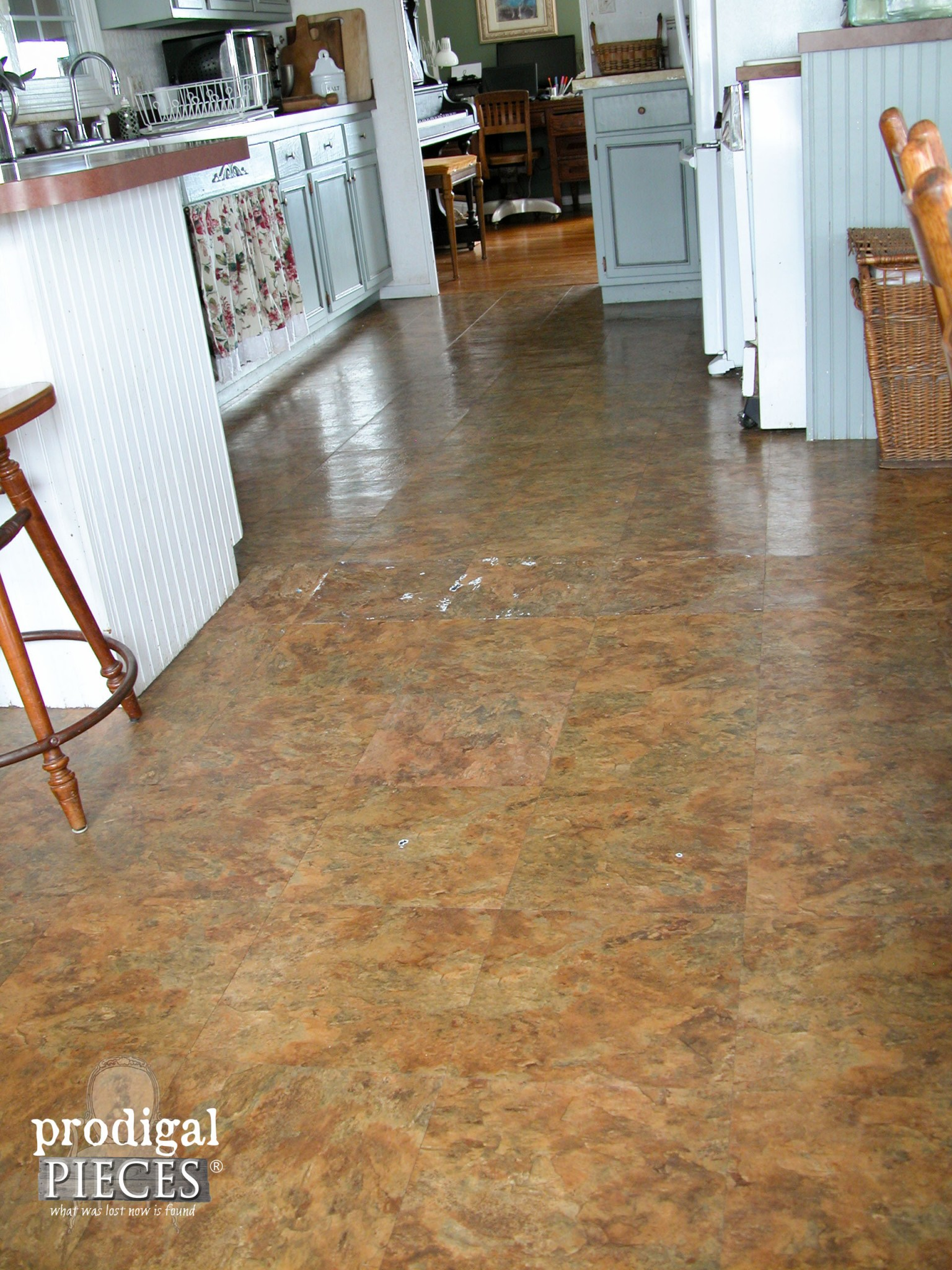Old Vinyl Flooring in Kitchen | prodigalpieces.com