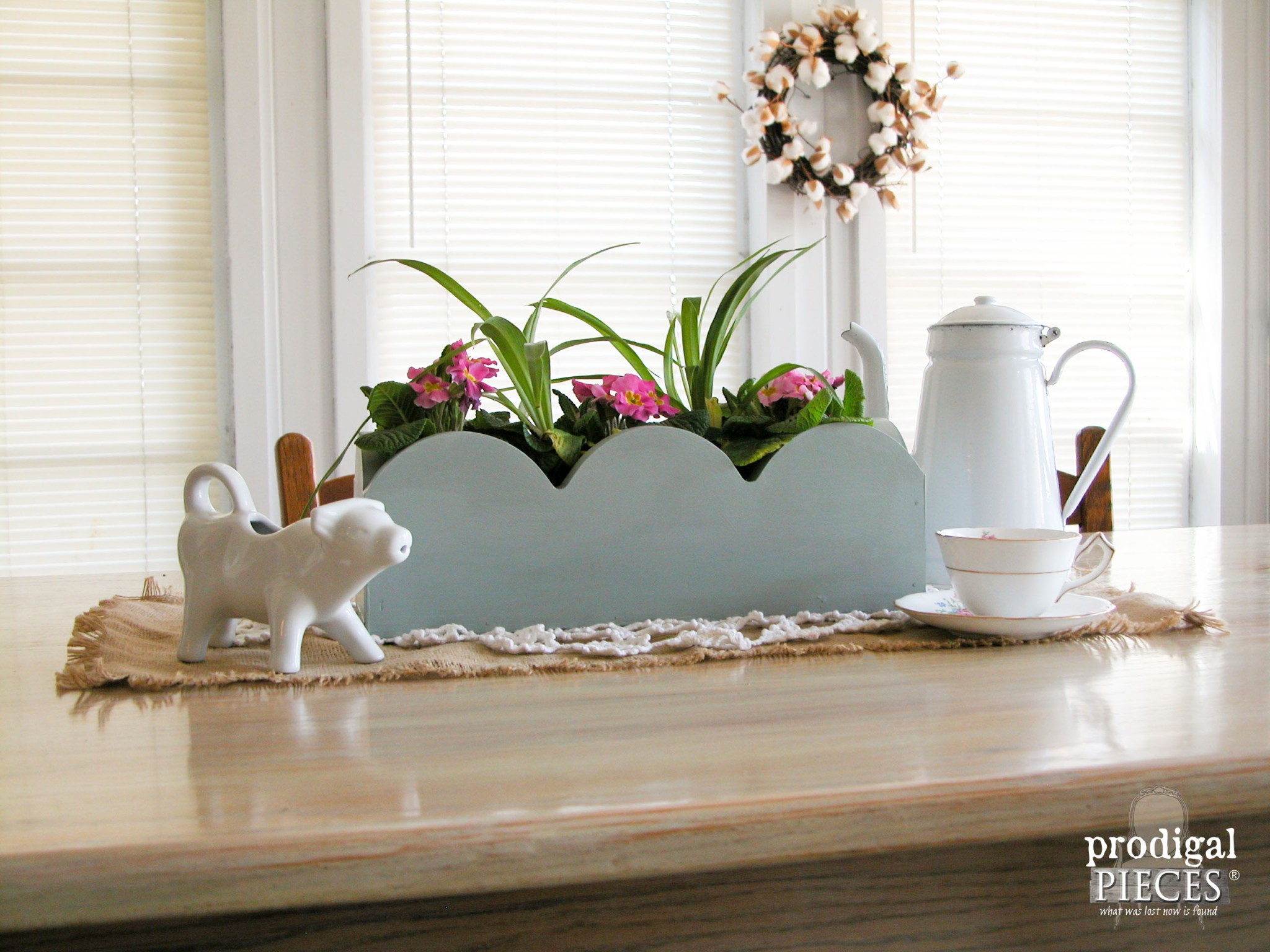 Table Centerpiece Made from Repurposed Kitchen Valance by Prodigal Pieces | www.prodigalpieces.com