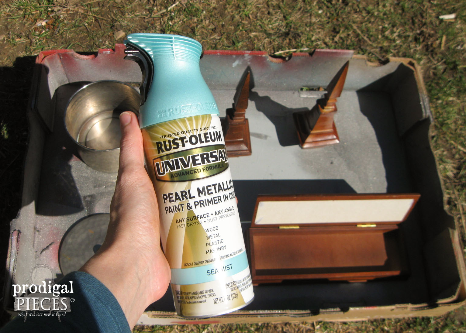 Aqua Blue Sea Mist Spray Paint by Rustoleum | Prodigal PIeces | www.prodigalpieces.com