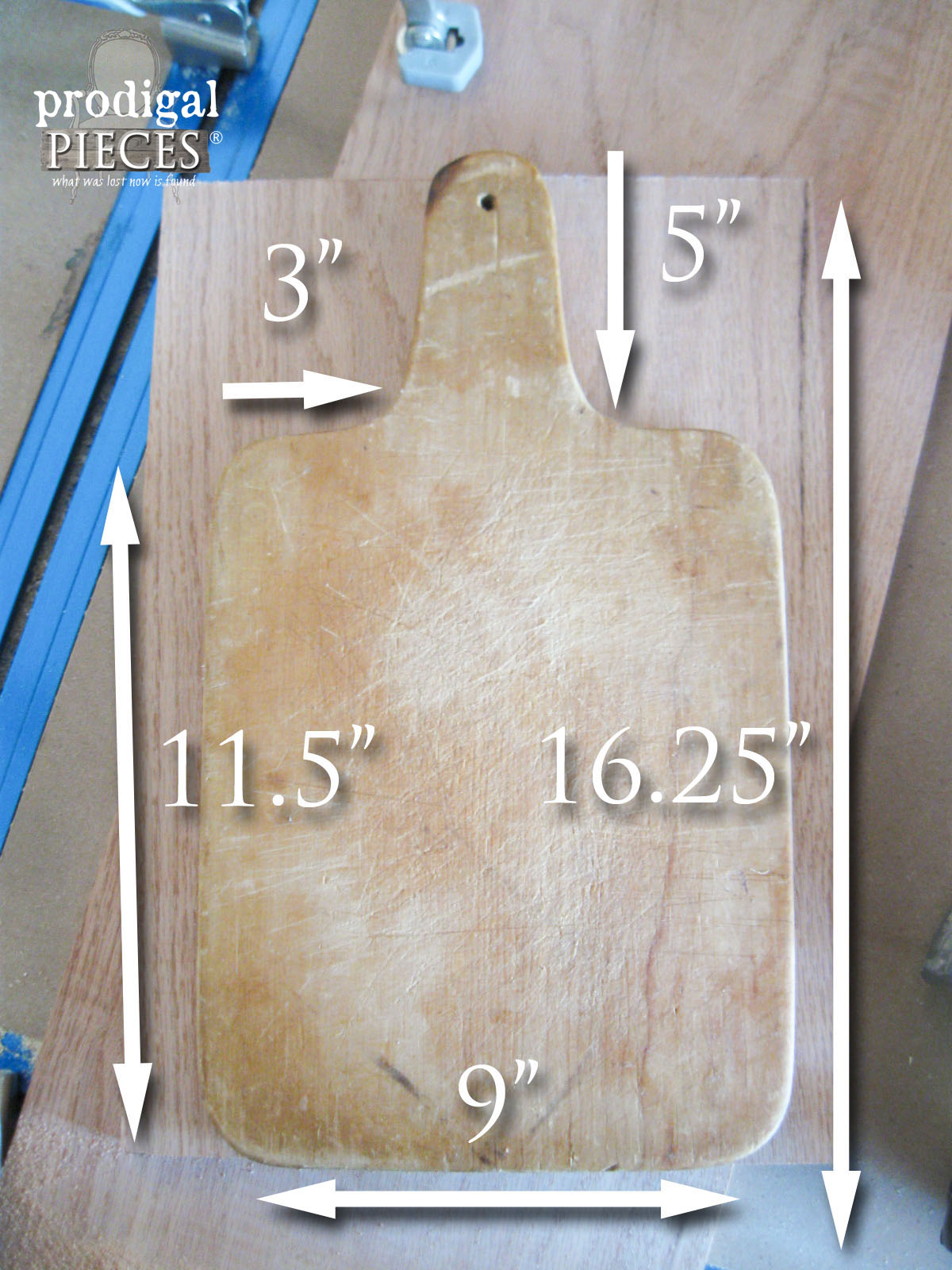 Template to Make your Own Farmhouse Cutting Board by Prodigal Pieces | www.prodigalpieces.com