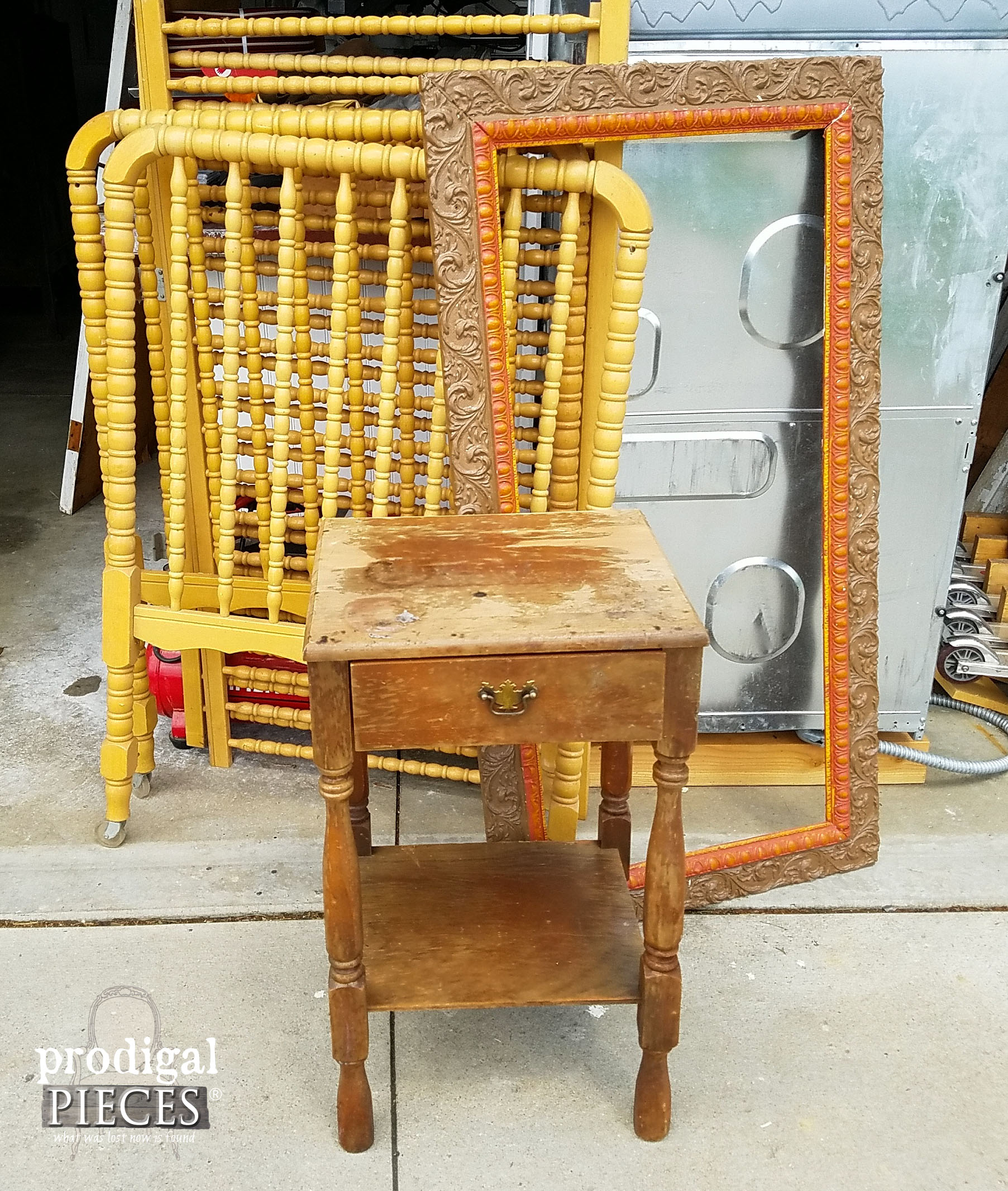 Antique Table, Ornate Frame, Jenny Lind Style Crib Trashure | Prodigal Pieces | www.prodigalpieces.com