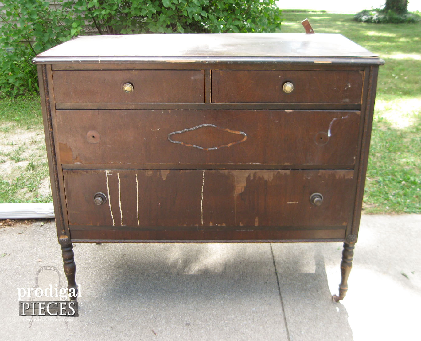 Distressed Dresser Before Makeover | Prodigal Pieces |  Www.prodigalpieces.com