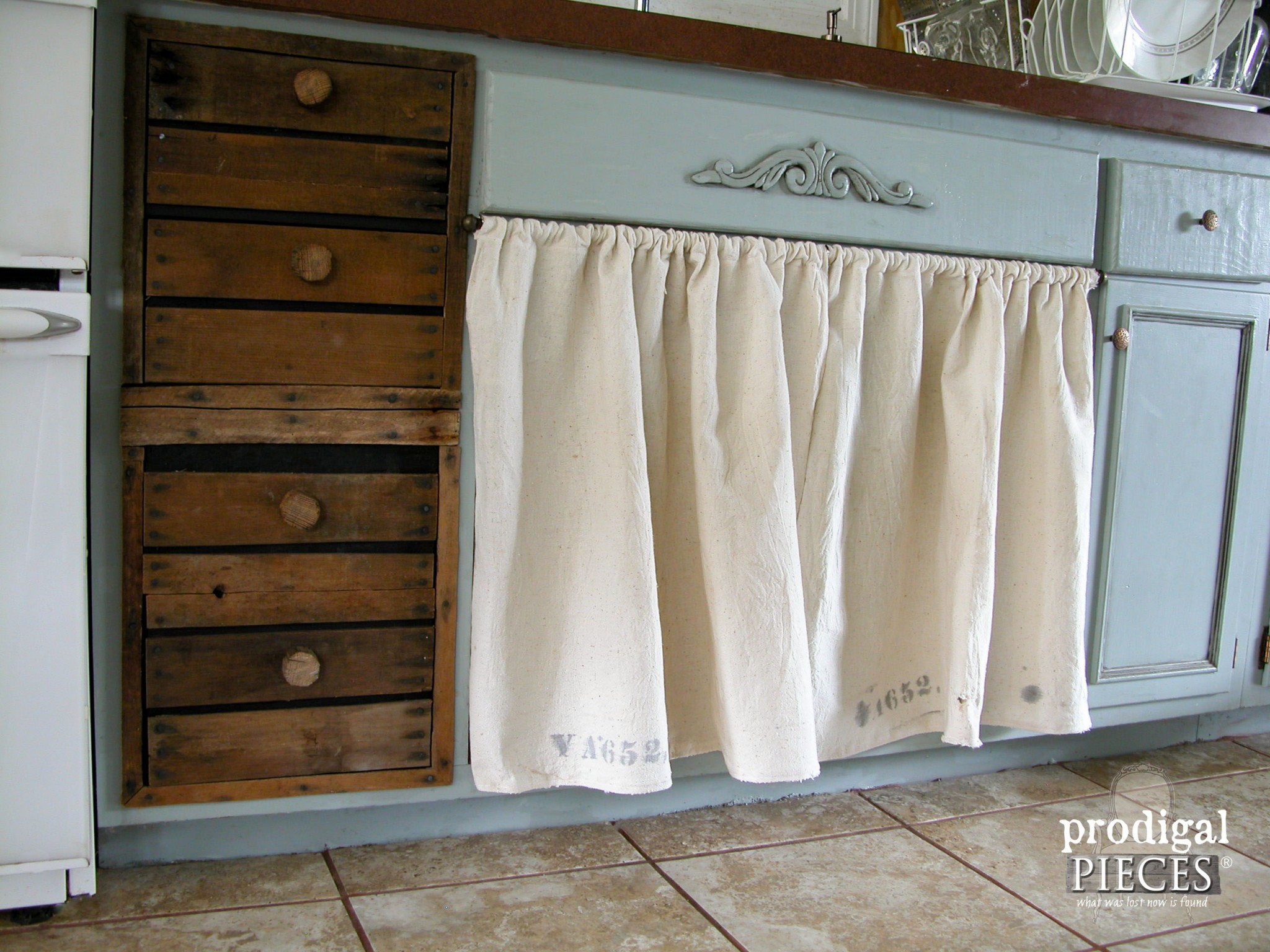Rustic Farmhouse Style Kitchen Drawers with Skirted Sink | Prodigal Pieces | www.prodigalpieces.com
