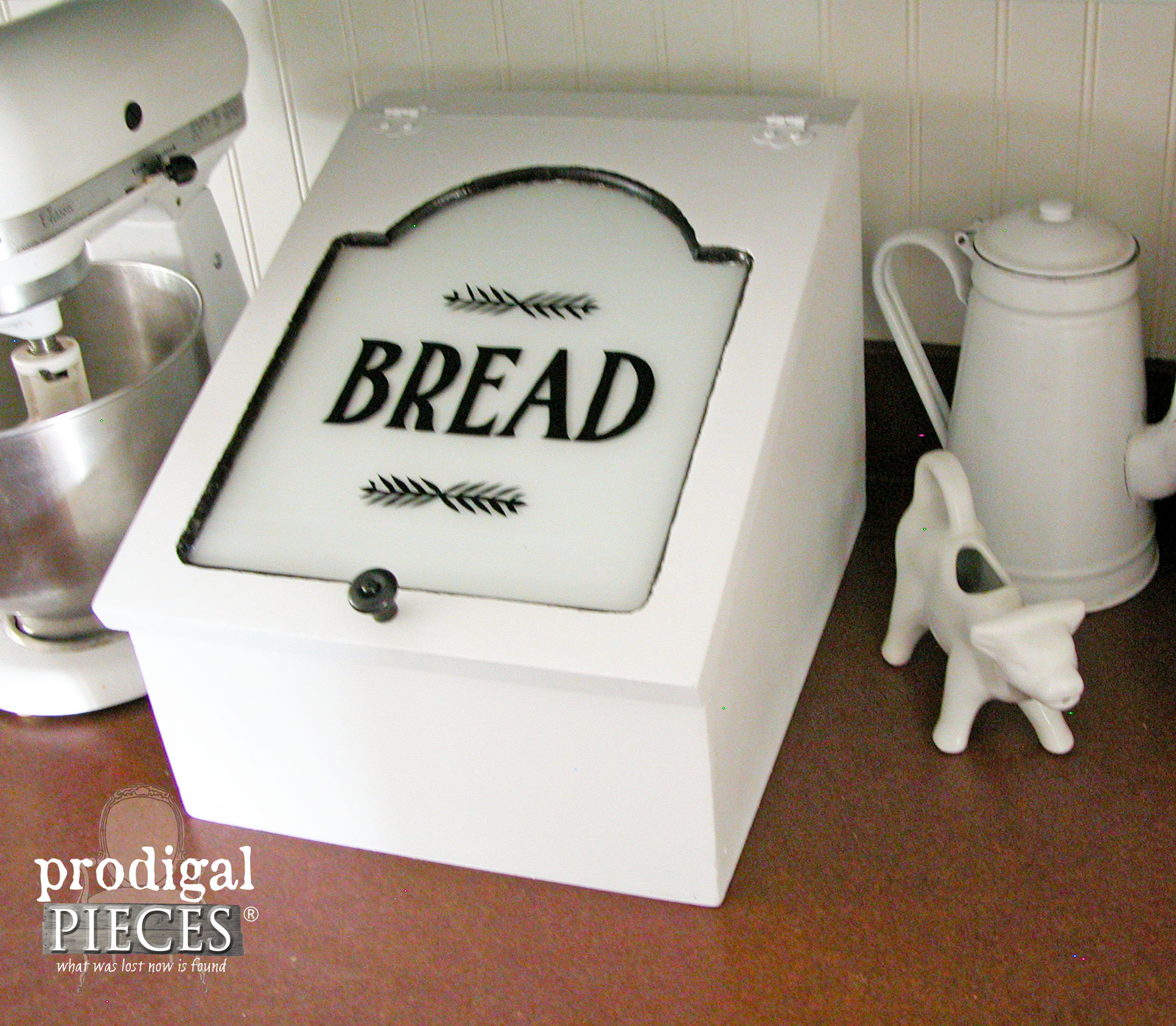 Enamelware Style Farmhouse Repurposed Charging Station by Prodigal Pieces | www.prodigalpieces.com
