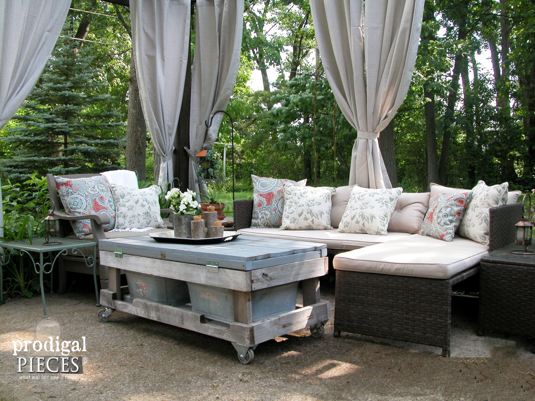 Patio Area Made Cozy with DIY Outdoor Pillows with Tutorial by Prodigal Pieces | www.prodigalpieces.com