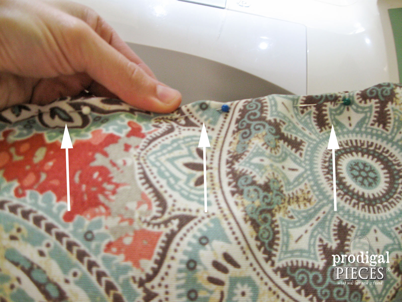How to Pin DIY Outdoor Pillows | Prodigal Pieces | www.prodigalpieces.com