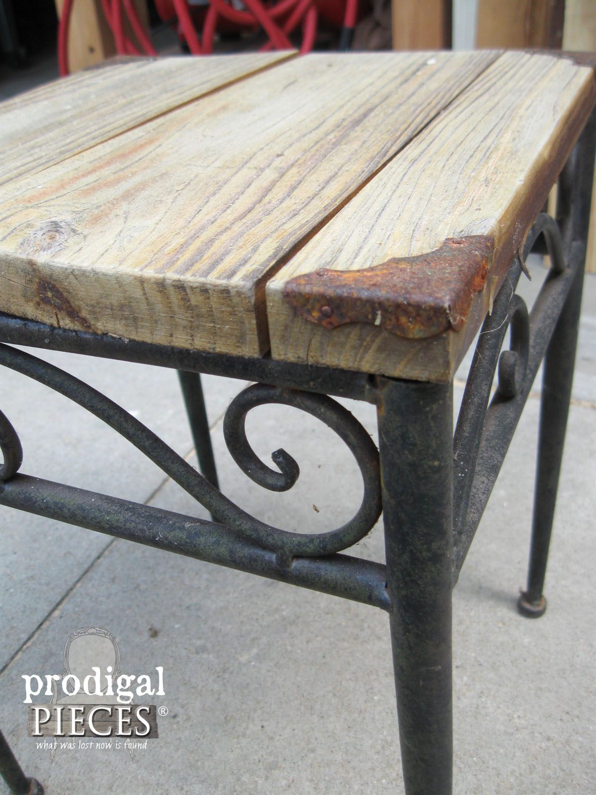 Rusty Patina on Outdoor Table | Prodigal Pieces | www.prodigalpieces.com