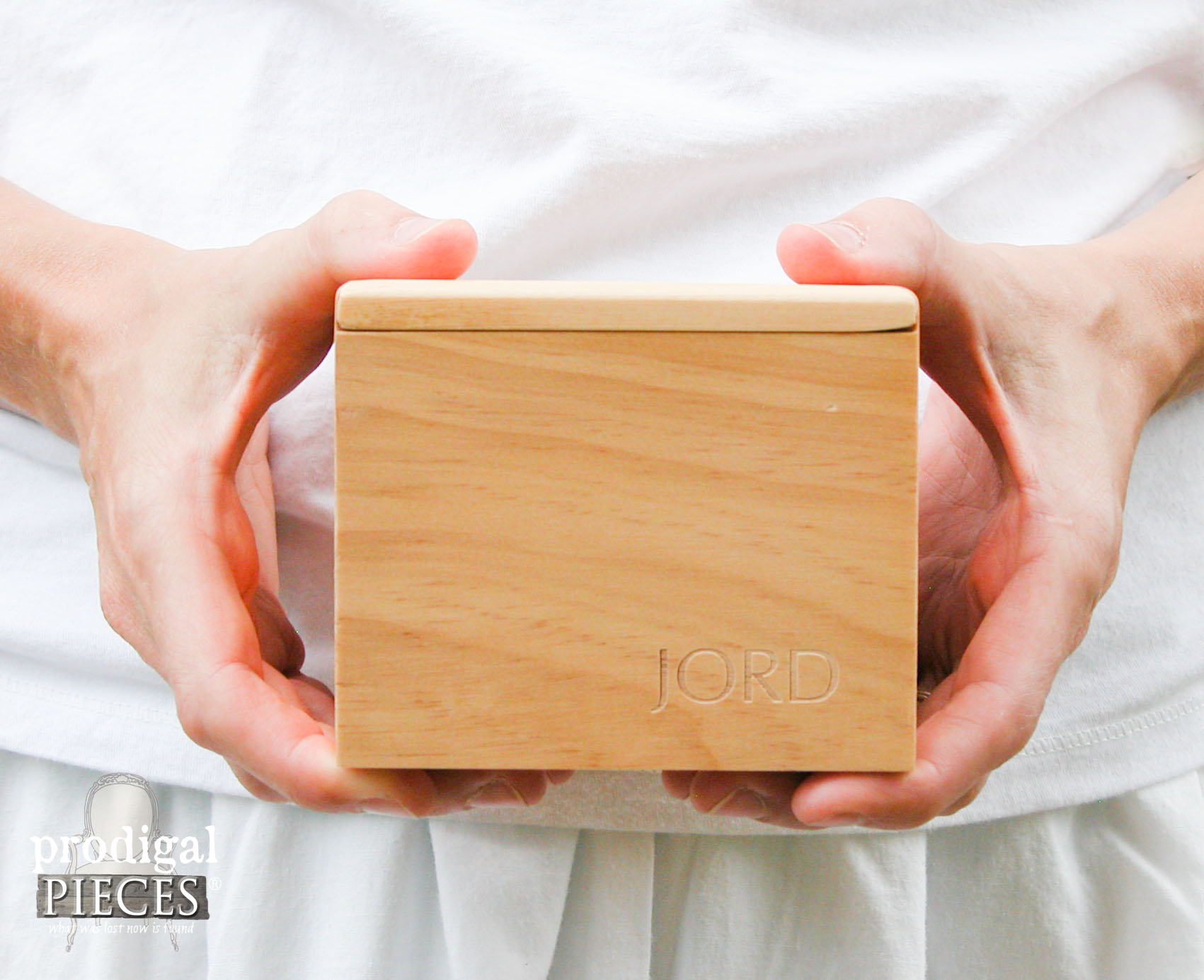 Wooden JORD Women's Watch Review by Prodigal Pieces | www.prodigalpieces.com