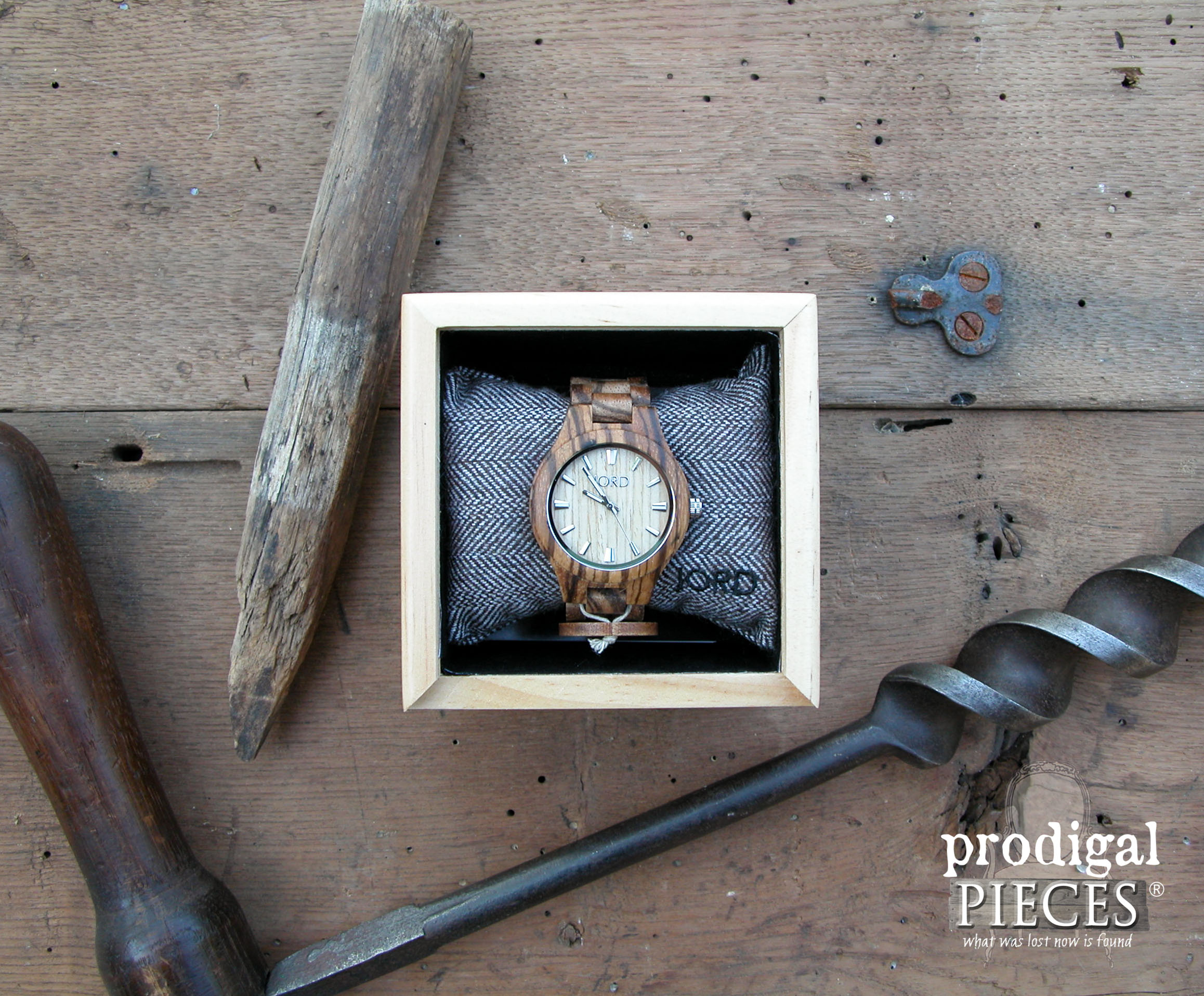 JORD Wood Watch Fieldcrest Zebrawood & Maple Review by Prodigal Pieces | www.prodigalpieces.com
