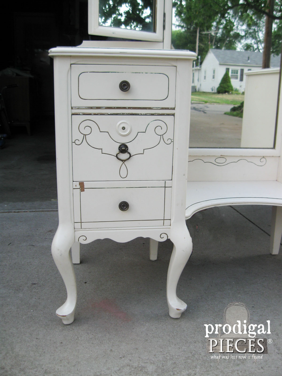 Side of Vintage Vanity | Prodigal Pieces | www.prodigalpieces.com