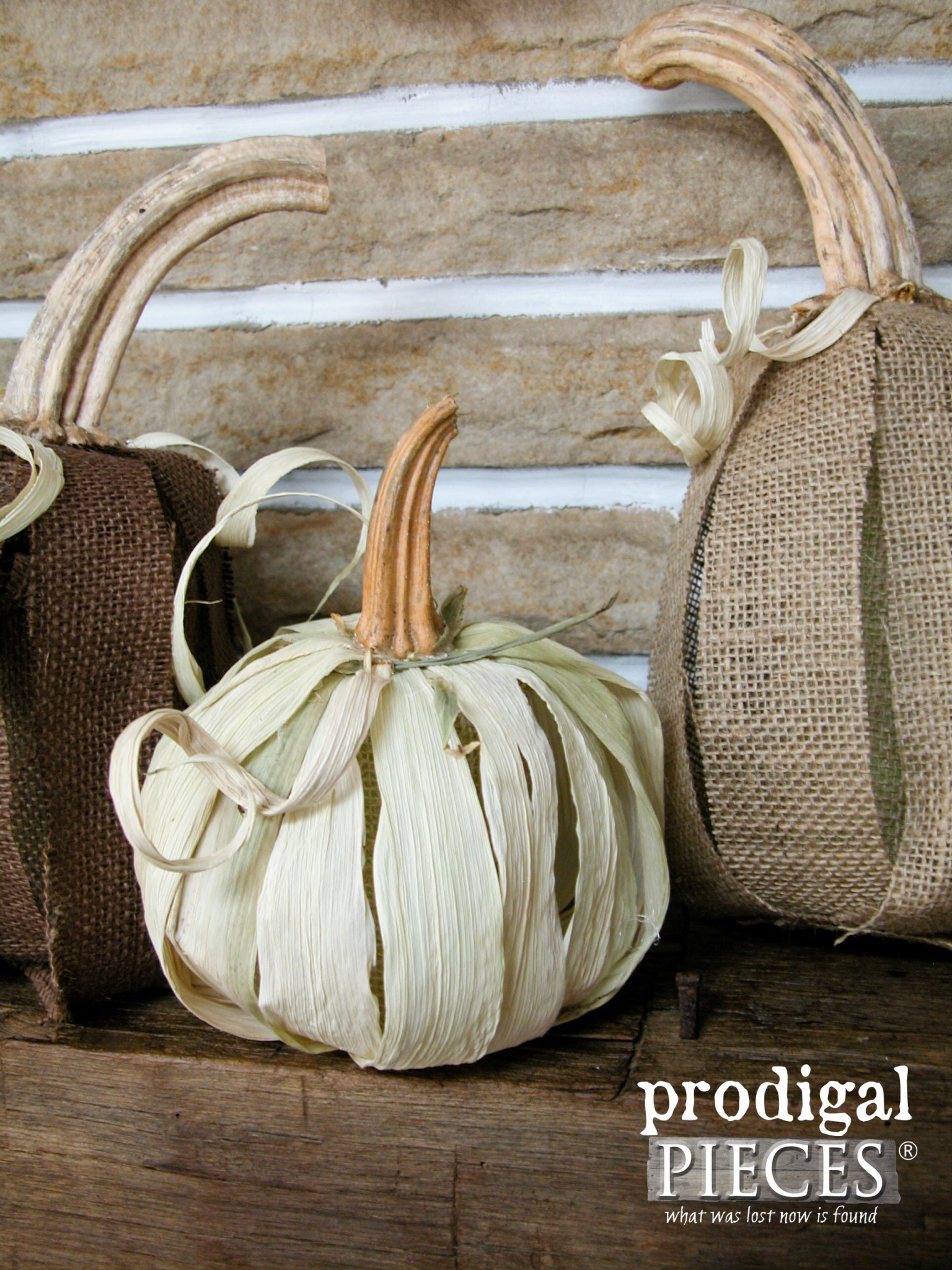 Make a Rustic Farmhouse Pumpkin from Corn Husk with this Tutorial by Prodigal Pieces | www.prodigalpieces.com